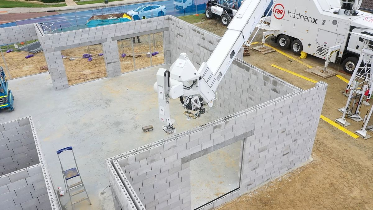 Byford Commercial Build