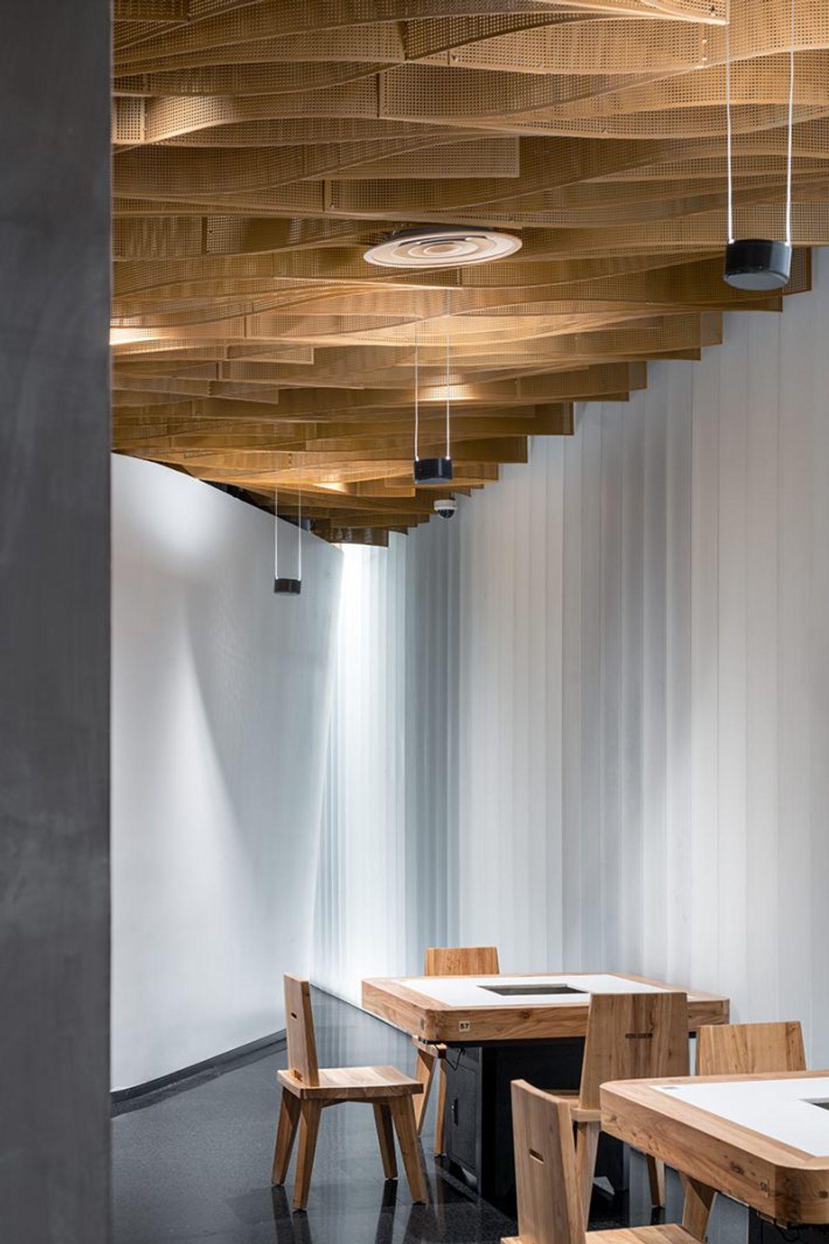 Banu Hotpot Restaurant Ceiling and Facade Design